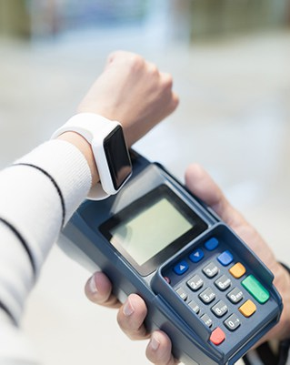 Contactless smartwatch payment